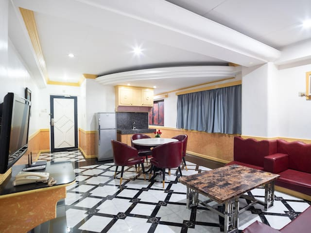 At Discounted Rates - 1BR Classic Suite in Philippines
