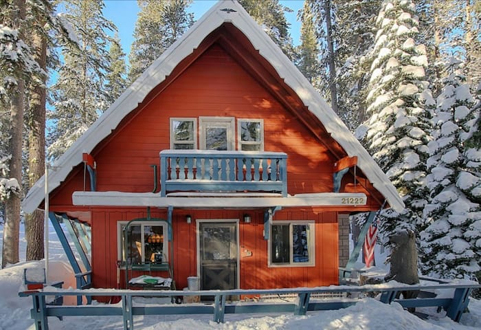 Sugar Pine Chalet - cozy cabin near Sugar Bowl - Soda Springs