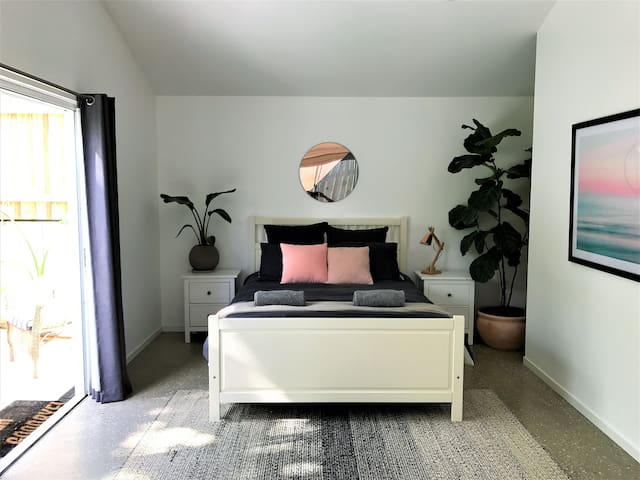New studio with private courtyard - Byron Bay - Rumah