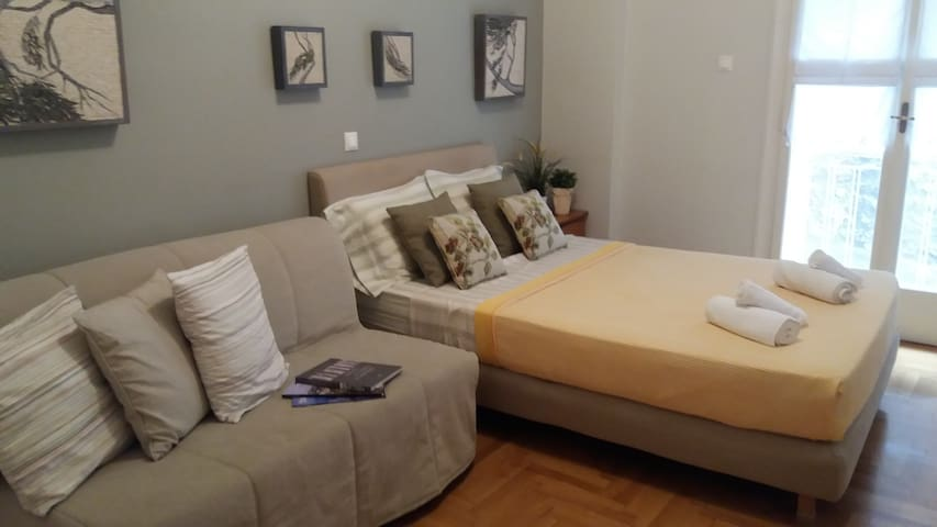 A wonderful, cozy apartment in the heart of plaka.