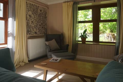 Cosy modern vegan guesthouse in Perthshire