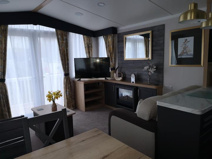 Prestige holiday home on Havens Weymouth Bay