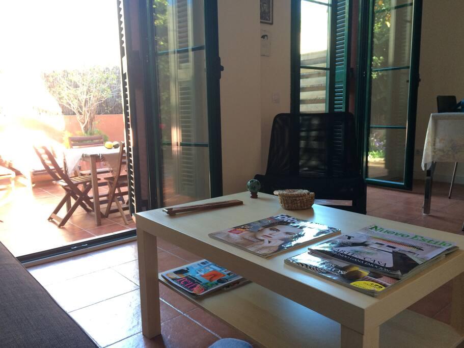 Piso en pl marti royo con jard n condominiums for rent for Pisos altafulla