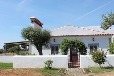 Splendid Oasis in the heart of Alentejo- FARMHOUSE