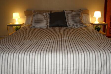Bedroom In Cozy & Quiet Appartement - Brussel - Leilighet
