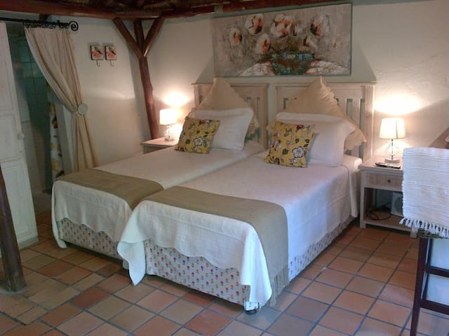 Thatch Cottage Interior (2 x single or 1 king size bed)