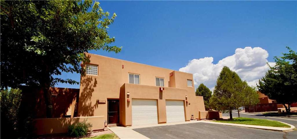Pet Friendly Condo, King Size Bed, Outdoor Pool, Amazing Views, Near Moab Golf Course  - Kokopelli Dream ~ 3251