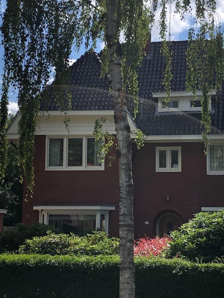 Geweldig familiehuis in Haren, dicht bij de stad
