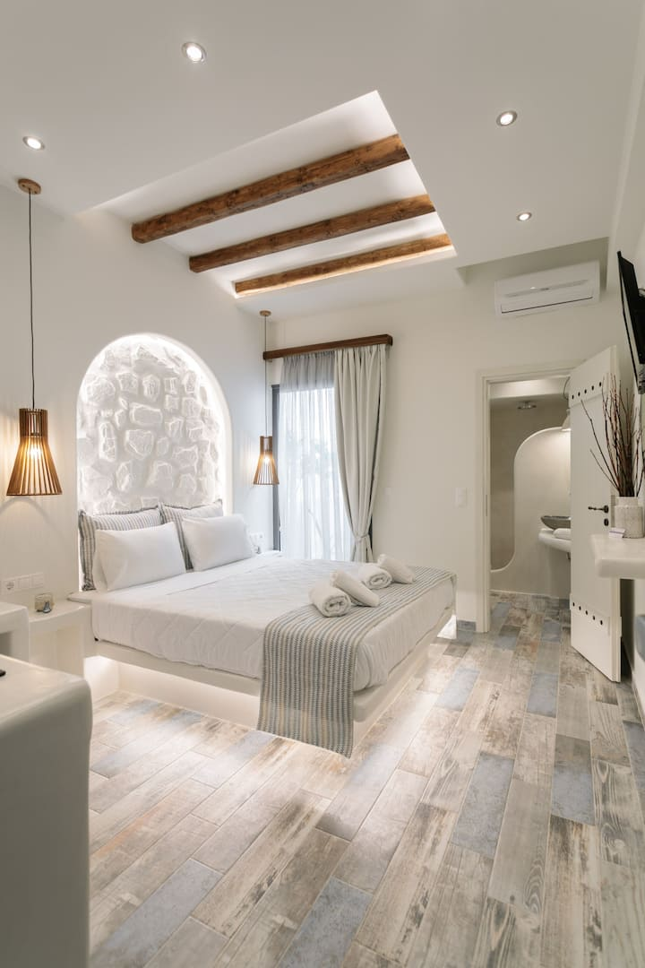 Deluxe Double Bed Studio 2