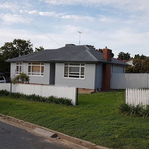 3 bedroom, East albury delight