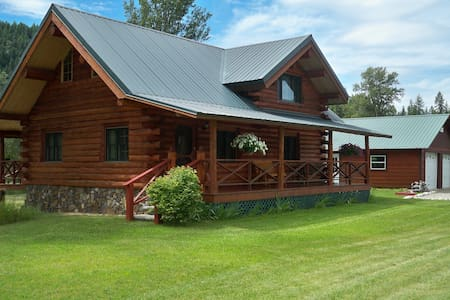 Montana Lake Creek Vacation Rental - Troy - Maison