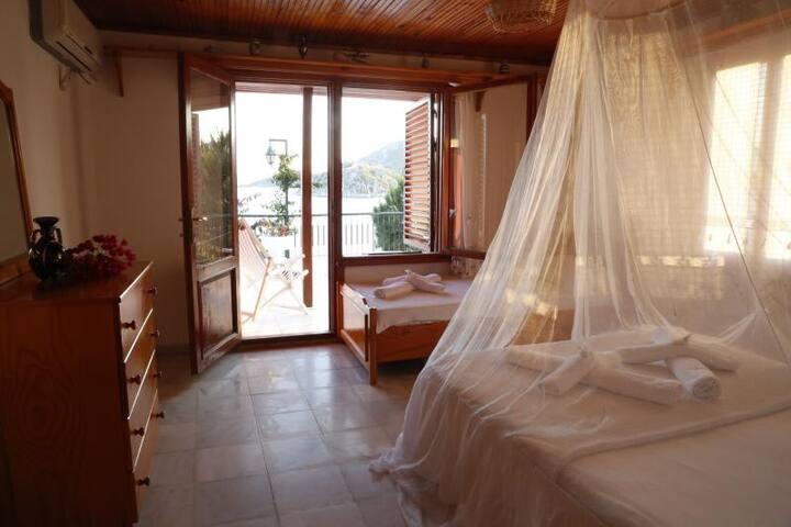 Comfortable Hotel Room with Breakfast in Marmaris