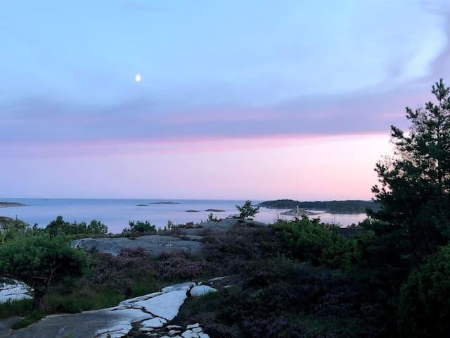 Nyt utsikten og finn roen i Homborsund!