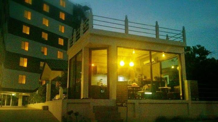 Baan Phaya Hostel