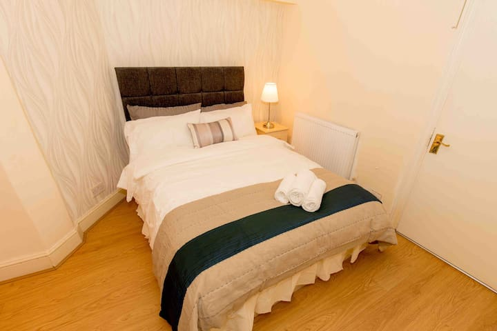 Room with Double bed near Oxford Street - London - Apartment