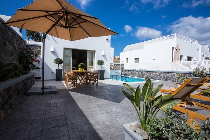 White  villa, Akrotiri, Santorini with pool
