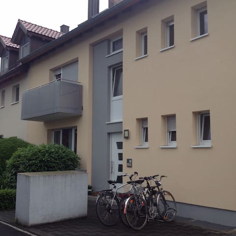 Gegenüber Leopoldina Krankenhaus/SW - Schweinfurt - Apartment