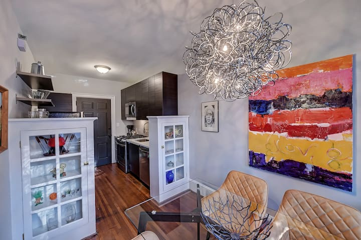 Classic remodeled 1br/1ba ground floor apartment in historic Elizabeth