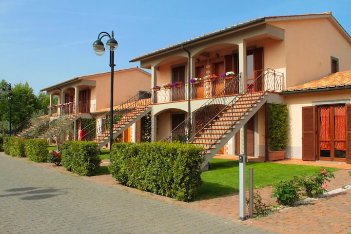 Holiday in Tuscany - Two Rooms Apartment