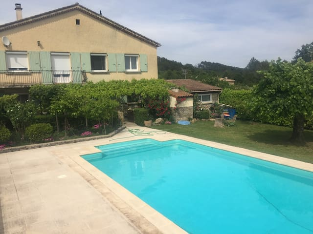 Appartement en Sud-Ardèche - Vinezac - Apartament