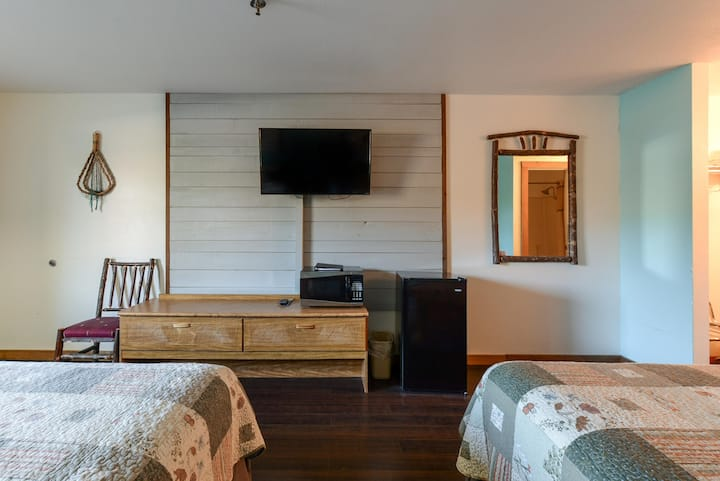 SR- Closest to Silver Dollar City - FREE BREAKFAST - Outdoor Pool - BOAT PARKING
