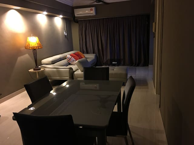 KL Vistana Residence 500m From 3 Transit Stations