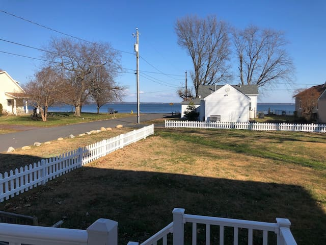 Private Waterview Apartment - Commute to Dahlgren