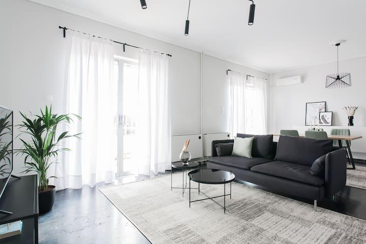 Spacious 1BD Apartment near HELEXPO Marousi