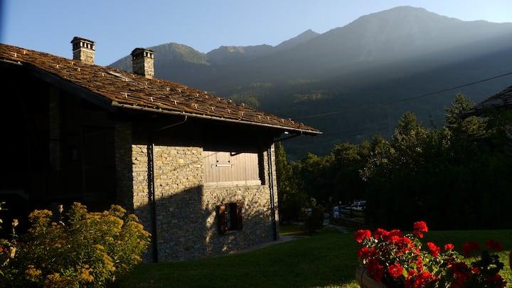 Alloggio in Grande Chalet di Montagna a Morgex- AO