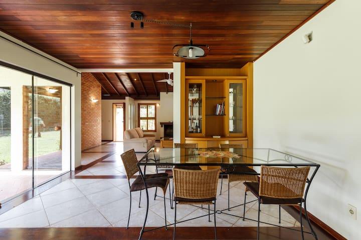 Espetacular casa  na Lagoa - Florianópolis - House