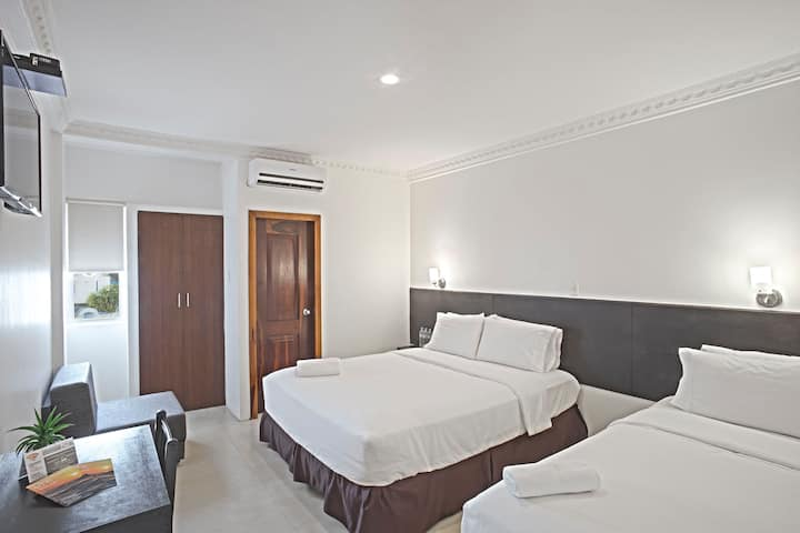 Habitación Cuádruple en Hotel La Ría Playas