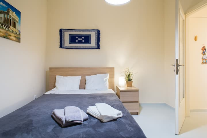 ☆2 Stops to Acropolis☆Free Cancellation☆Superhost☆