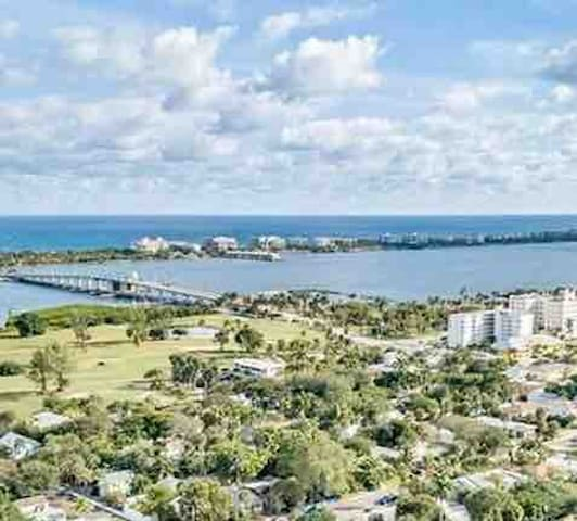 Aerial view of the Atlantic Ocean, the Intracoastal Waterway, our public golf course and the historically designated neighborhood of Parrot Cove where Downtown Lavender House is located.