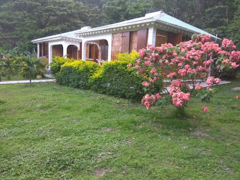 Oleander Cottage at Rodney's Wellness Retreat