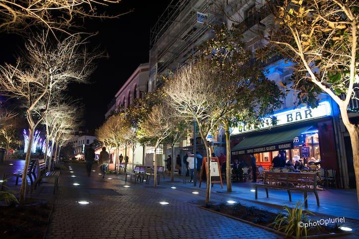 """Centre ville """" by Night """": Place Clémenceau"""