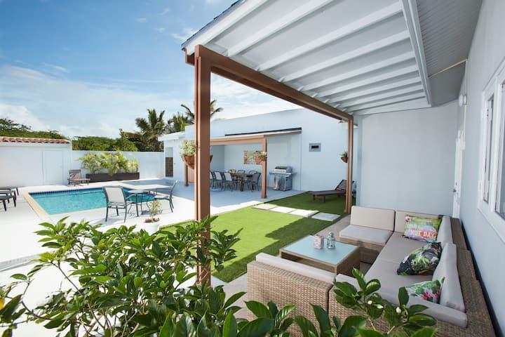 🧨 NO SERVICE FEE Topaz Villa incl. 2 apts, 5 BDRM
