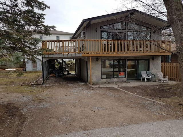 Cottage to Rent in Grand Bend