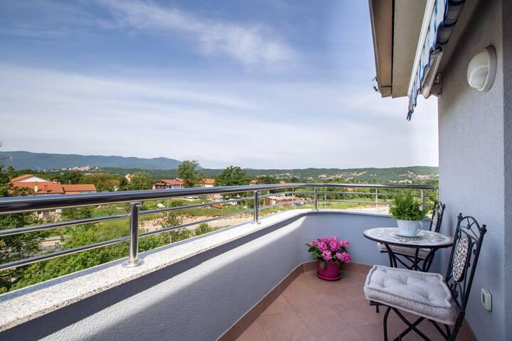 Modern Apartment in Viškovo with Balcony