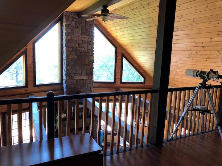 Luxury cottage on Dunlop Lake