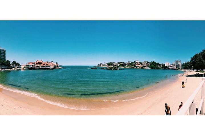 GUARAPARI - Apto. com vista parcial para o mar.