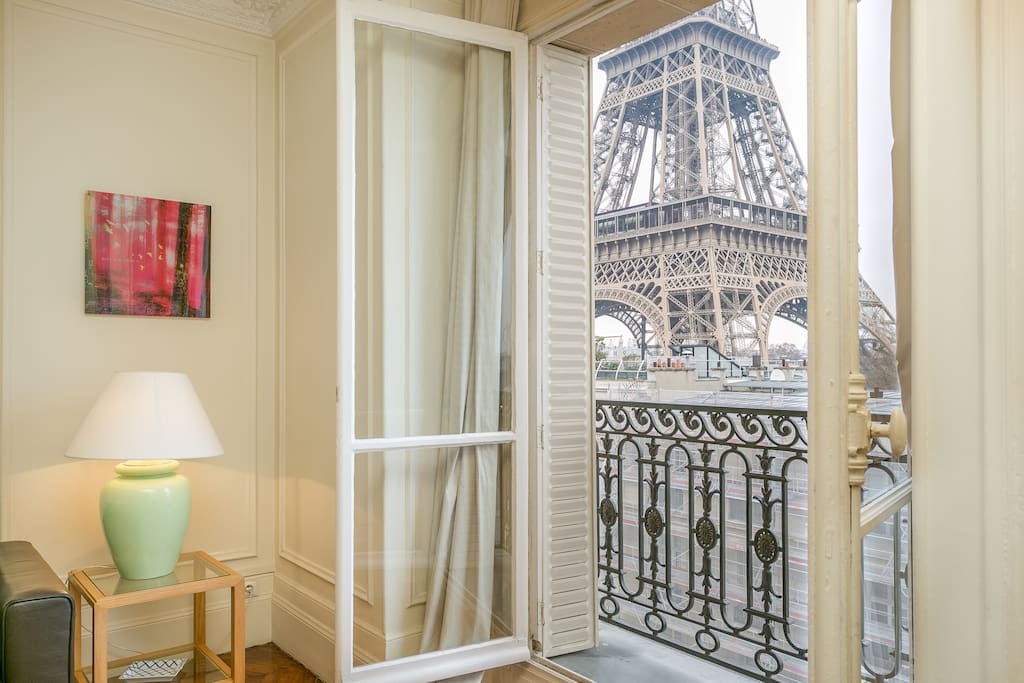 The secret eiffel tower flats for rent in paris le Eiffel tower secret room