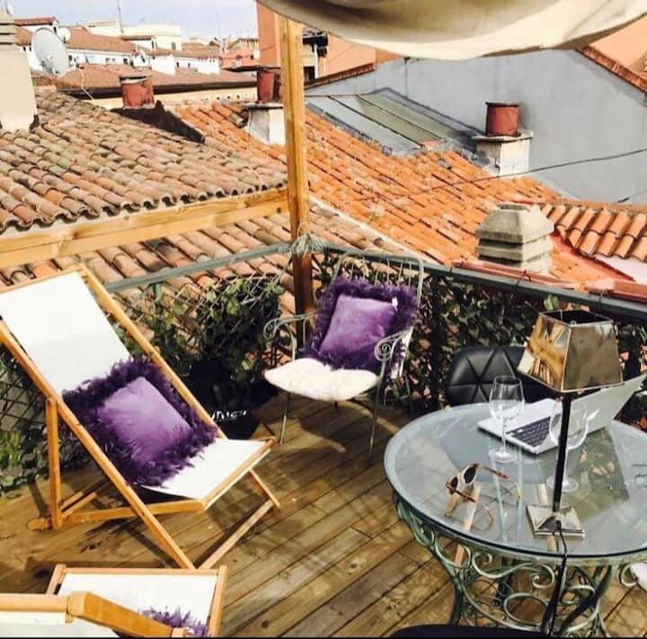 ROOF TOP BARRIO DE LOS AUSTRIAS