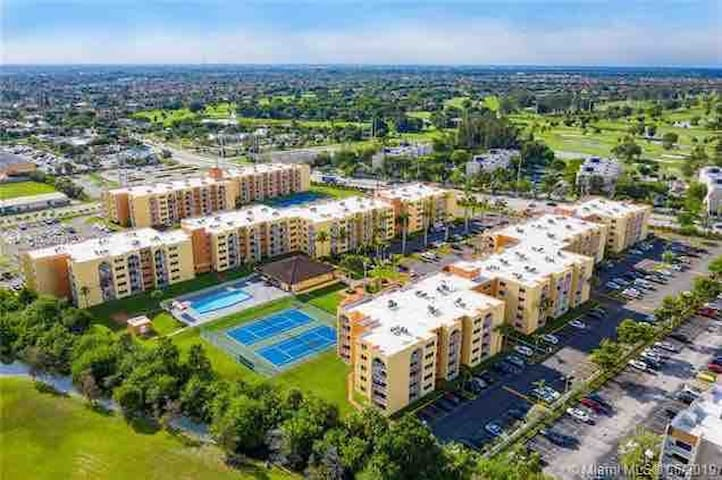 Great renovated apartment well located Miami lakes