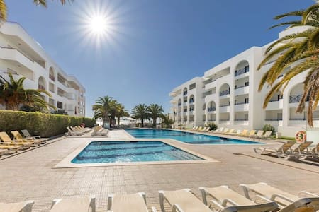 Clean & Safe - Sunshine Holidays Apartment