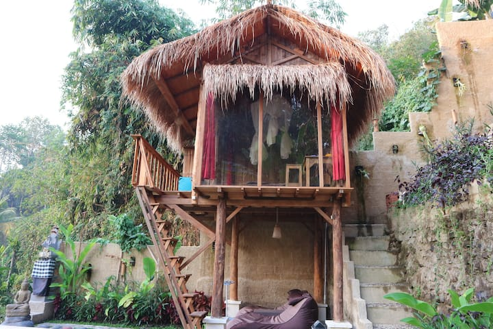 Unique Bamboo Hut in the middle of the Jungle
