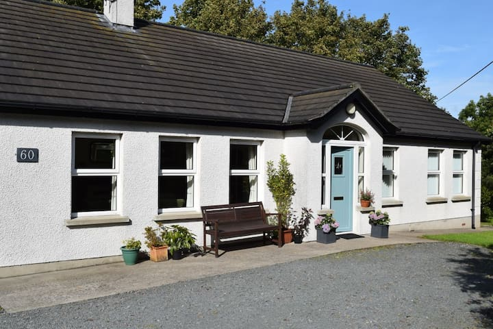 Spacious cottage with use of studio - Portaferry - Bungalow