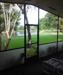 Private room and private bathroom. - Boca Raton - Villa