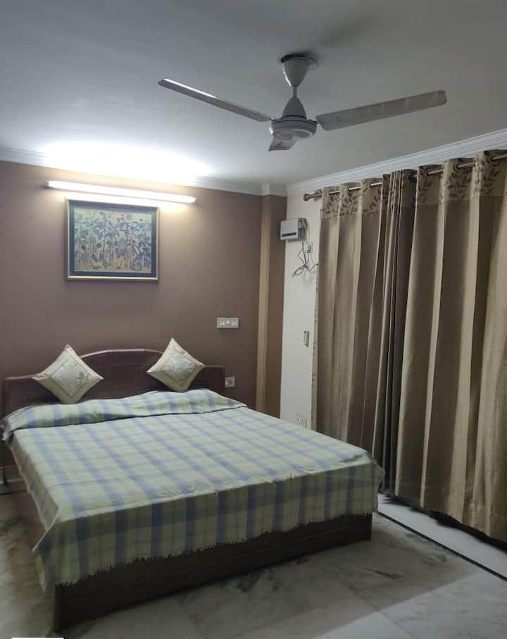 Private Family Friendly & Cozy Room in New Delhi