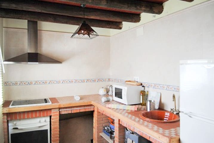 Spacious house w/ terrace and BBQ - Valdezufre (Aracena) - House