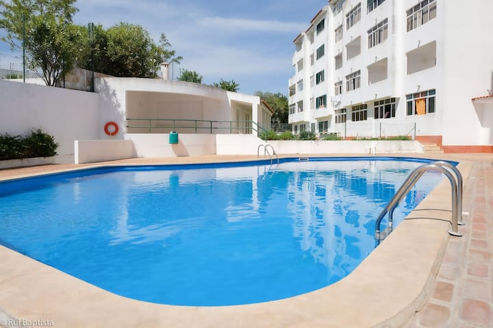 Nice apartment with pool and internet in Albufeira new town